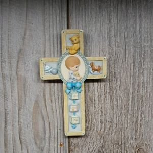 PRECIOUS MOMENTS Jesus Loves Me Boys Resin Cross